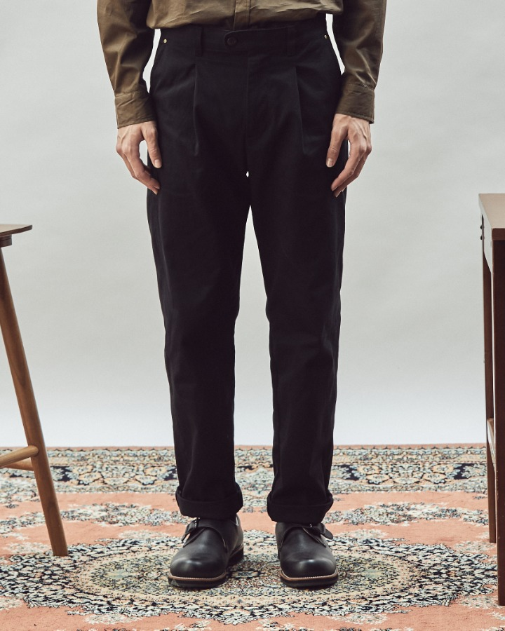 ALL SEASON RIVET PANTS BLACK